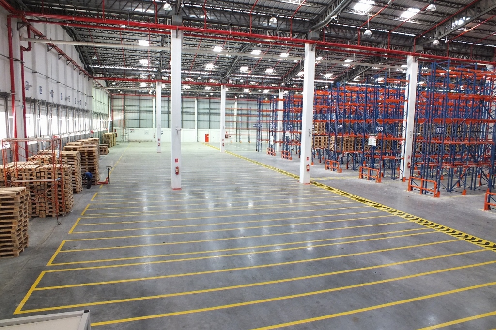 Distribution centre, featuring Rocland Qualidur surface hardener